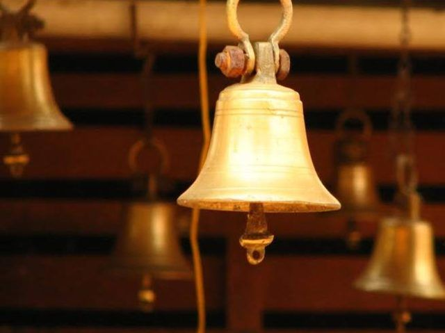 31972-A-after-come-to-know-these-things-you-will-never-forget-to-ring-the-bell-in-temple.jpg