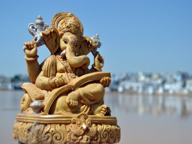 32048-0-what-to-make-lord-ganesha-happy-know-that-lord-ganesha-dont-like-arrogance.jpg