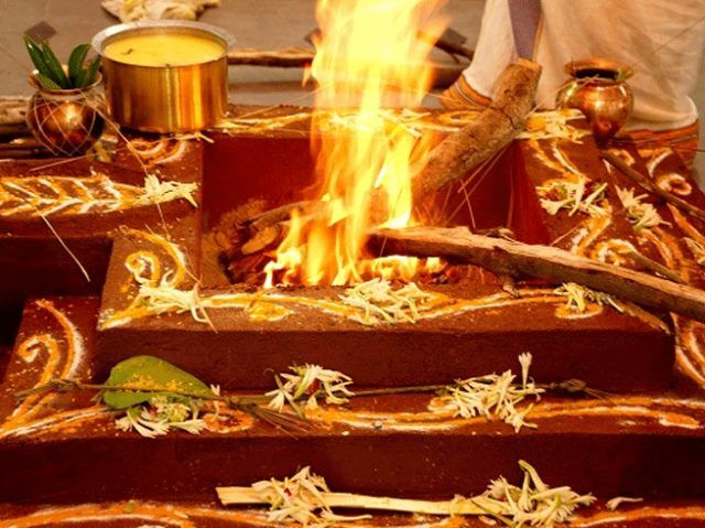 32855-0-know-scientific-benefit-of-hawan-and-yagya.jpg