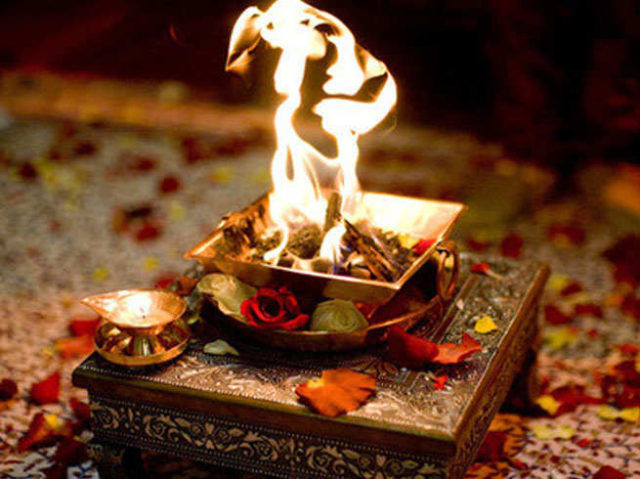 33382-A-astro-why-is-it-necessary-to-say-swaha-while-doing-hawan.jpg