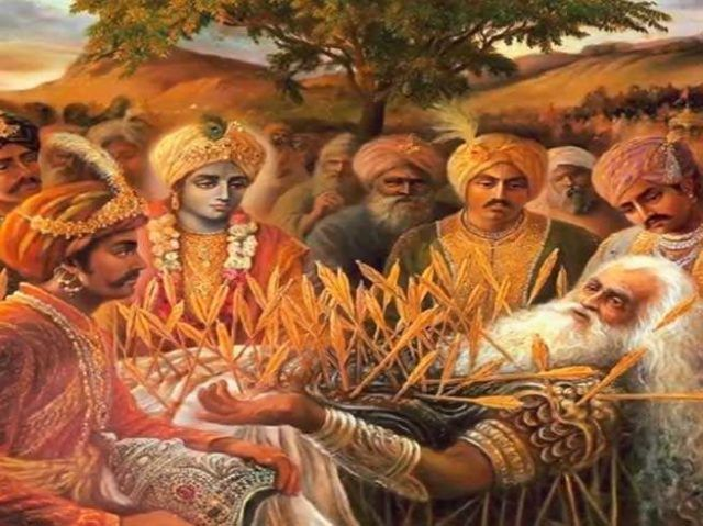 33403-A-mahabharat-why-draupadi-laughed-at-bhishma-when-he-was-on-deathbed.jpg