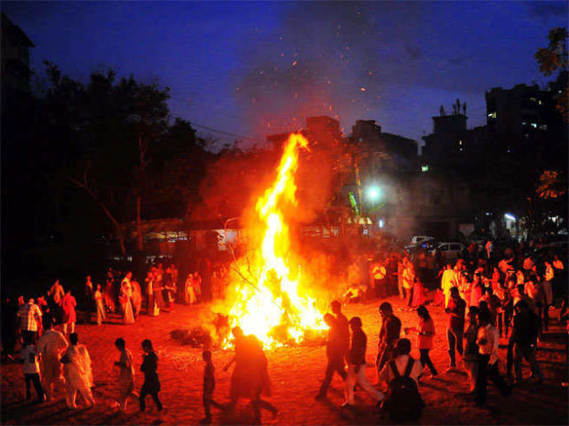 33425-A-according-to-your-sunsign-do-this-work-during-holika-dahan.jpg