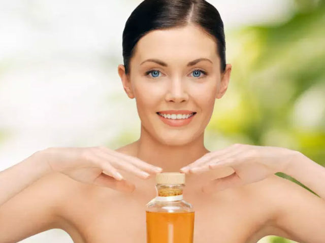 Oil Massage Benefits : Oil Massage Increases Money And