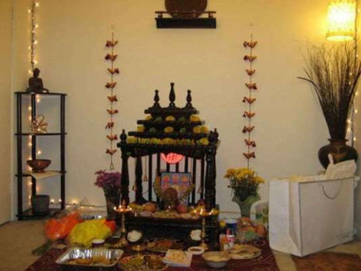 Image result for पूजा-पाठ में जरूर रखें इन बातों का ध्यान, घर के मंदिर में ना रखें ये सामान