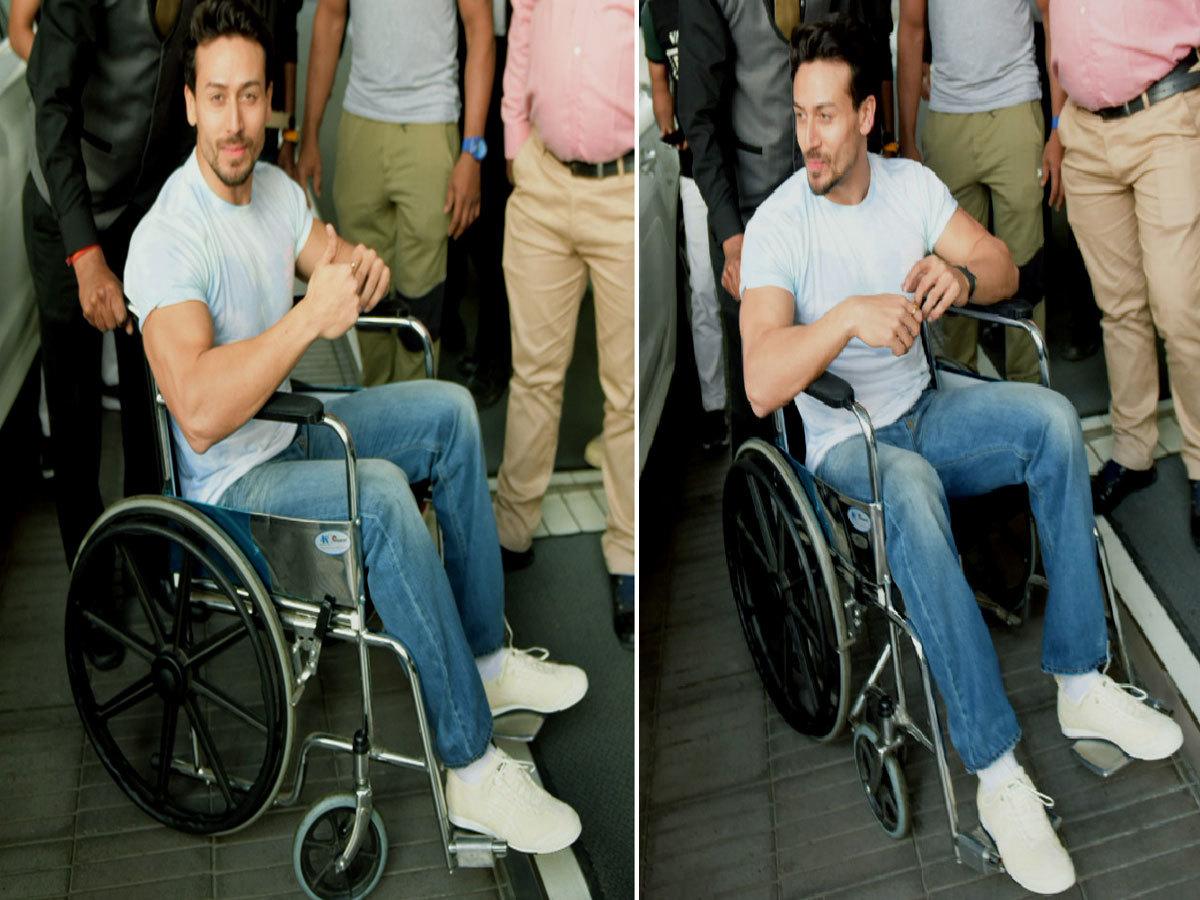 दिल्ली के मॉल में टाइगर, तारा और अनन्या ने मचाया धमाल