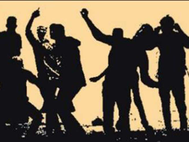two policemen injured in clash between two groups in gujarat