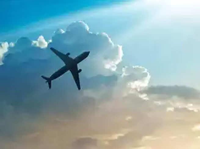 क्या हमारे ऊपर गिरती है हवाई जहाज यात्रियों की 'पॉटी'