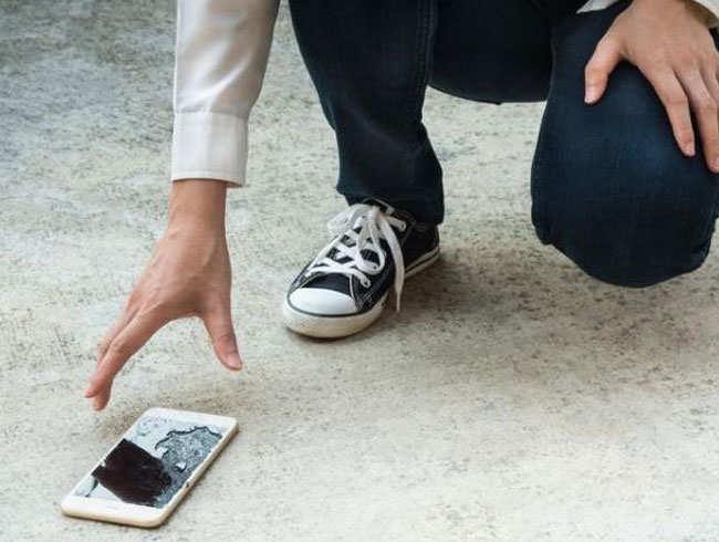 एक हजार फीट से गिरा iphone, नहीं हुआ कोई नुकसान