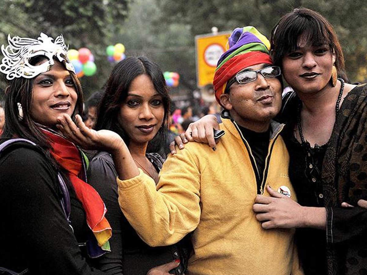 समलैंगिकता: किस देश में क्या है कानून, जानें