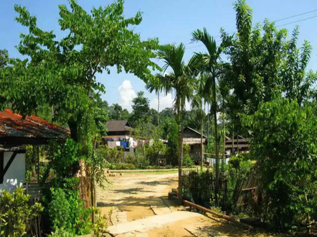 Image result for मावलिननांग गांव