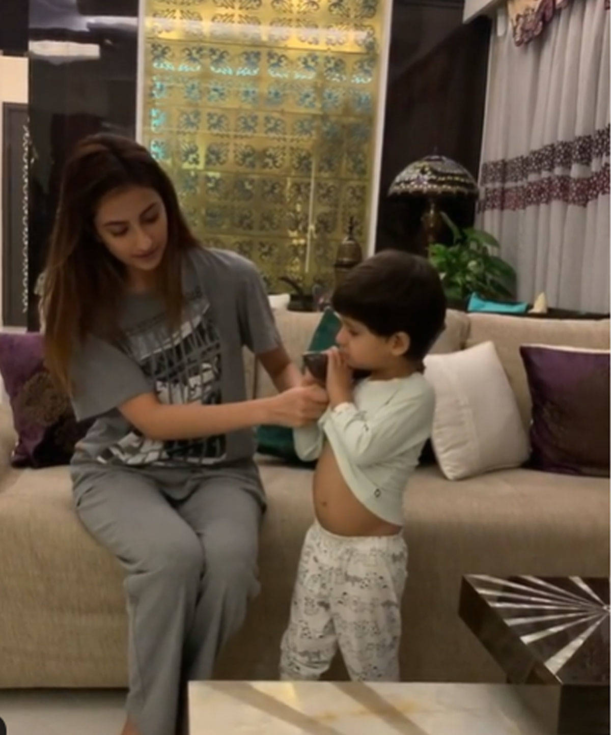 Shweta Tiwari's Daughter Palak Just Needs A Baby For Home Workout