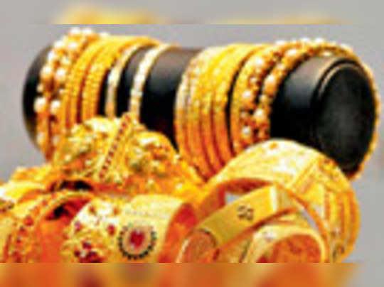 বাজেটে ফের সোনার আমদানি শুল্ক বাড়িয়ে দেওয়ার ভাবনা অর্থমন্ত্রকের