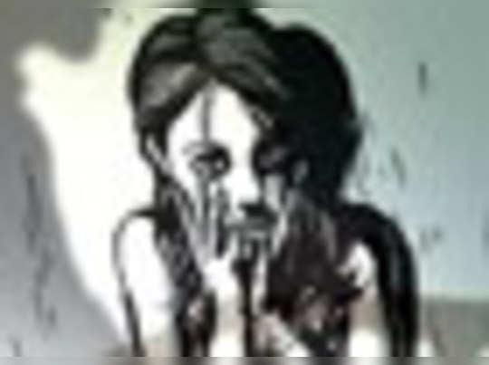 शराब के नशे में नाबालिग बेटी से रेप, पिता गिरफ्तार