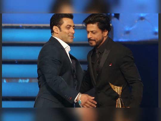 सलमान, शाहरुख ने एक दूसरे को फिर गले लगाया