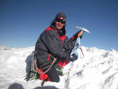 6 दिन में हिमालय की 3 चोटियों पर चढ़ीं अंशु जमसेंपा