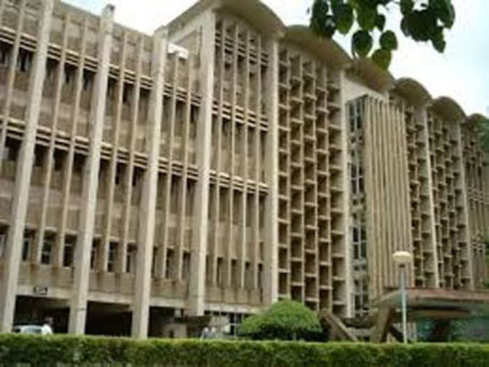 छठीं मंजिल से गिरकर IIT स्टूडेंट की मौत