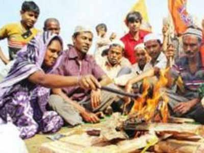 हिंदू धर्म अपनाते मुस्लिम परिवार।