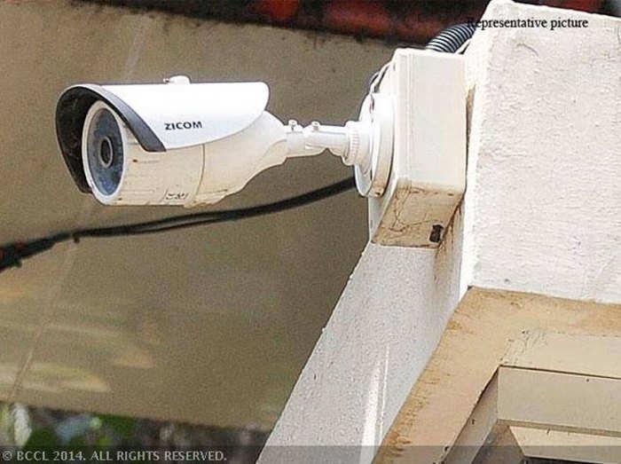 ओबामा के लिए 15000 CCTV कैमरे, जनता के लिए क्यों नहीं: हाई कोर्ट