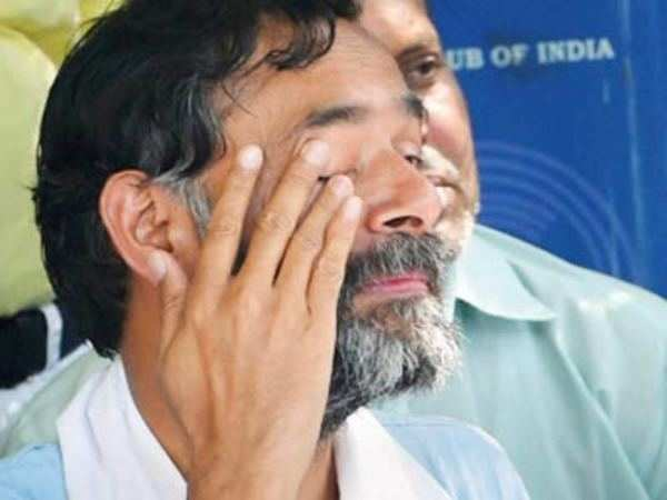 AAP removes Yogendra Yadav from the post of chief spokesperson