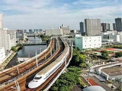 हाई स्पीड ट्रेन प्रोजेक्ट के लिए DMRC जैसी कंपनी बना सकता है रेलवे।