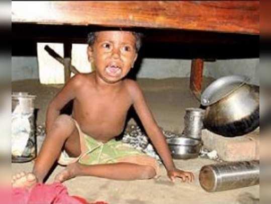 তৃণমূলের দপ্তরে মজুত বোমা