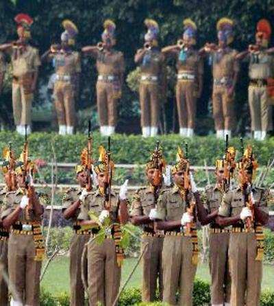New Delhi: Jawans paying tribute at Police Memorial on the occasion of Police C...