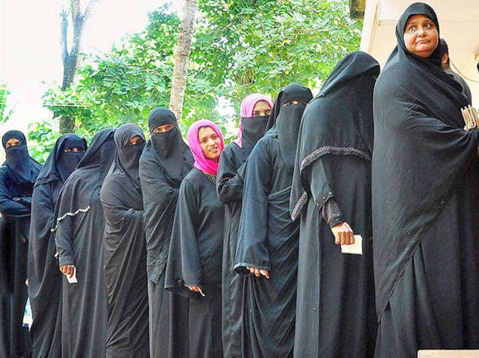 पर्सनल लॉ में सुधार के लिए मुस्लिम महिलाओं का PM नरेंद्र मोदी को पिटिशन