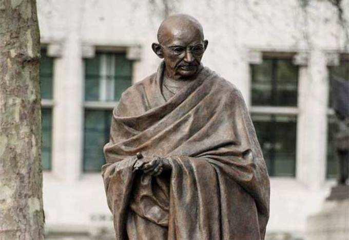 राष्ट्रपिता महात्मा गांधींचे १० महान विचार...