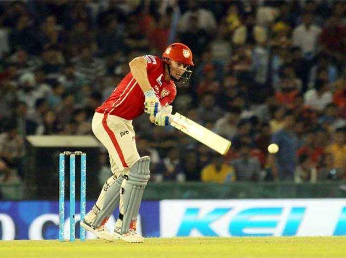 गेंदबाजों और उथप्पा ने दिलाई केकेआर को जीत