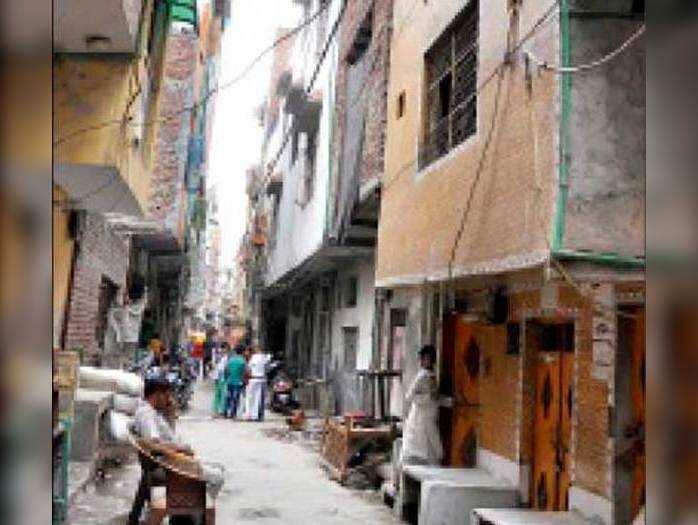 दिल्ली दहलाने की साजिश : बोल रहे पड़ोसी, पकड़े गए लोग निर्दोष