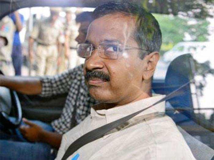 हवाबाजी: अर्जुन के पास नहीं है सर्वश्रेष्ठ धनुर्धर की डिग्री: CM केजरीवाल