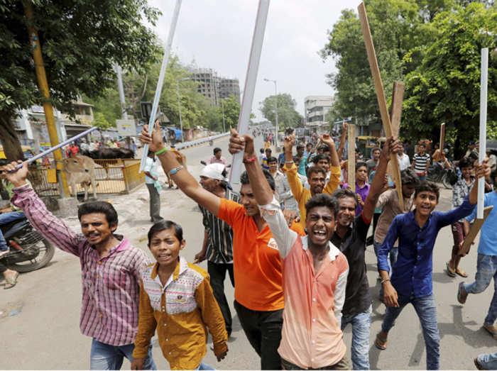 दयाशंकर सिंह विवाद: जानिए क्यों यूपी-पंजाब में BJP को लग सकता है बड़ा झटका