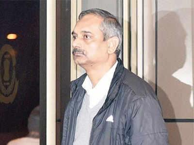 राजेंद्र कुमार गवाहों को धमका रहे हैं : CBI