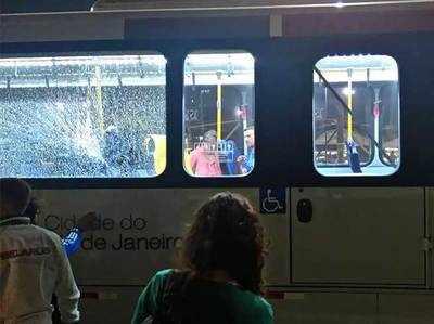 रियो में पत्रकारों की बस पर हमला