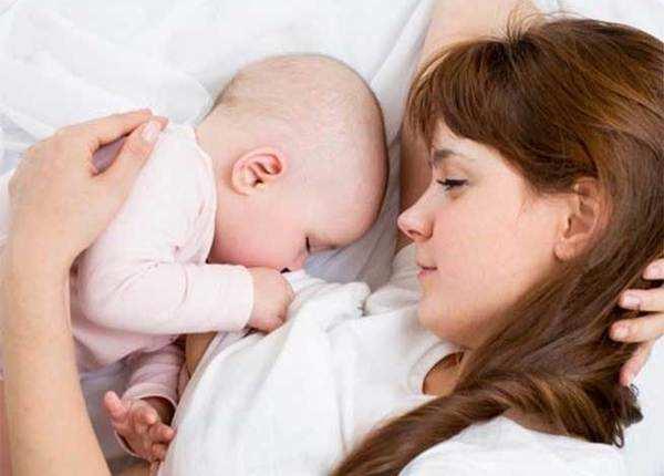 मिथक: किसी बच्चे को गोद लेने से महिला भविष्य में प्रेग्नेंट हो जाती है