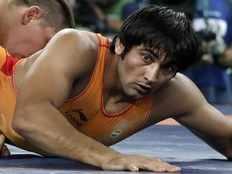 Ravinder Khatri loses 0 9 against Viktor Lorincz in wrestling Greco Roman 85 kg Round of 16