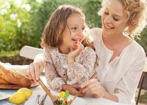 इन 6 तरीकों से खिलाएं बच्चों को हेल्दी खाना