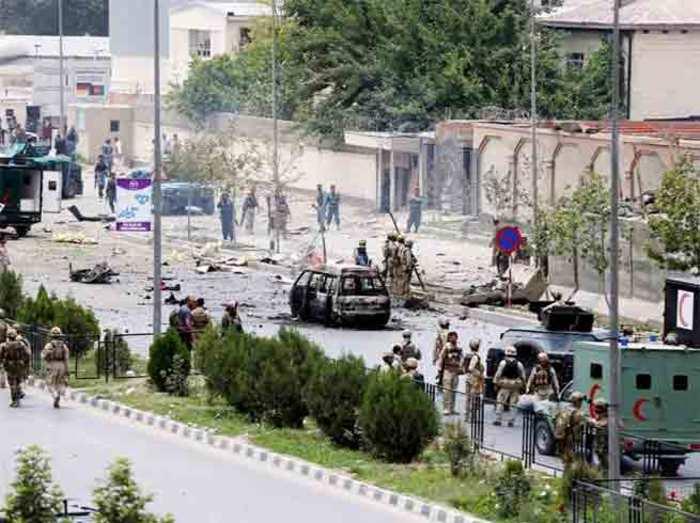पाकिस्तान की मस्जिद में आत्मघाती हमला, 16 मरे