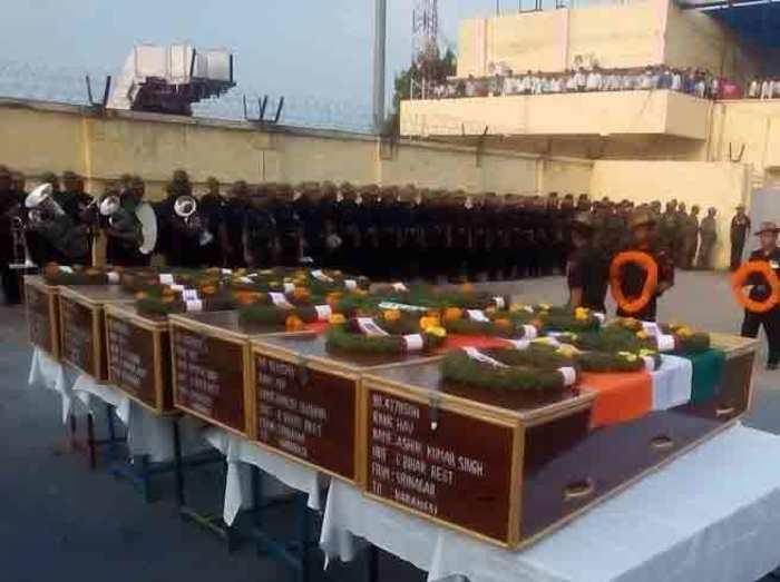उड़ी हमला: सात शहीदों के शव देख सिसक पड़ा पूर्वांचल