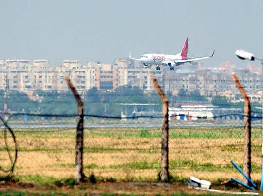 IGI एयरपोर्ट पर ATC सिस्टम में खराबी के चलते यातायात प्रभावित हुआ