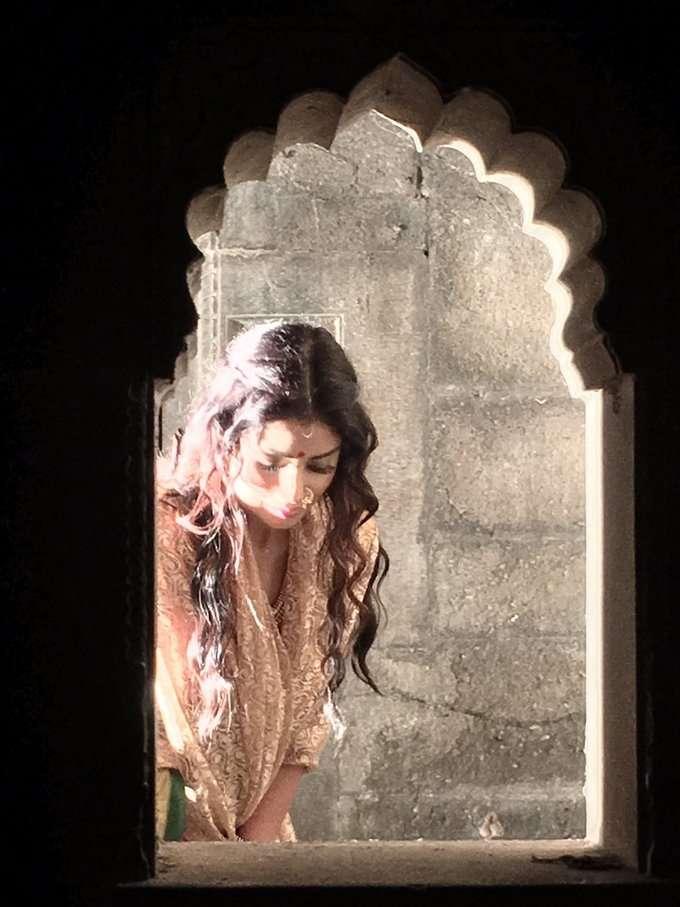 நடிகை ஸ்ரேயா ஷரனின் போட்டோ ஆல்பம்