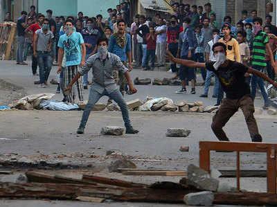पत्थरबाजों से बात करे सरकार: RSS