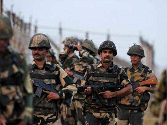 रेंजर्स को हटा सीमा पर आर्मी की तैनाती कर रहा है पाकिस्तान