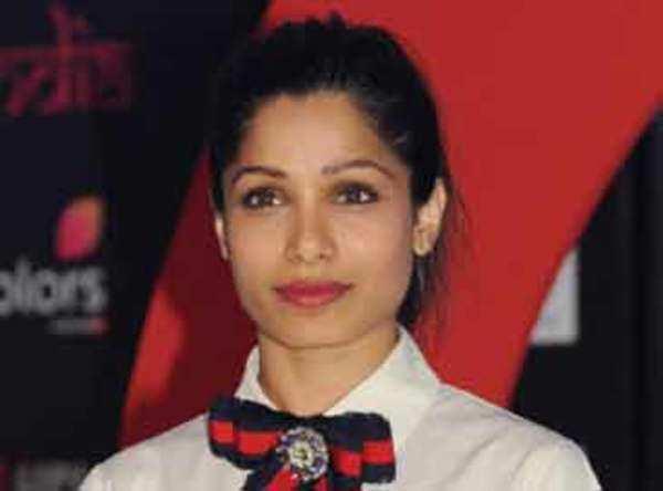 Proud of Priyankas Hollywood success says Freida Pinto