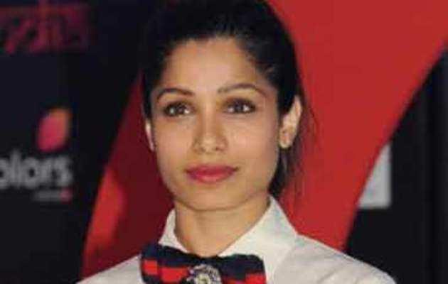 प्रियंका की हॉलीवुड सफलता पर गर्व है, फ्रीडा पिंटो ने कहा
