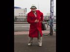 86 साल के टेलर की दीवानी हुई फटॉग्रफर