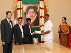 tn cm ops gave rs 2 crore for mariyappan