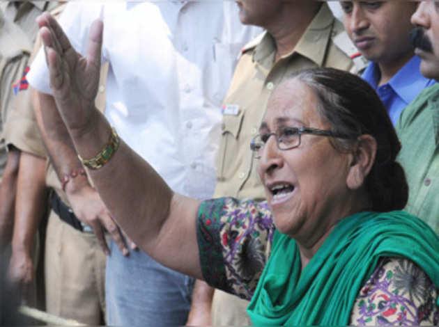सरबजीत सिंह की बहन दलबीर कौर ने थामा BJP का दामन