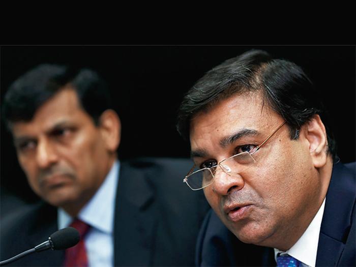 नोटबंदी के बाद अपमानित महसूस कर रहे हैं RBI कर्मचारी, गवर्नर उर्जित को लिखी चिट्ठी