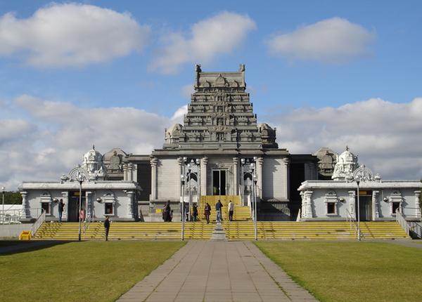  श्री वेंकटेश्वर बालाजी मंदिर, इंग्लैंड